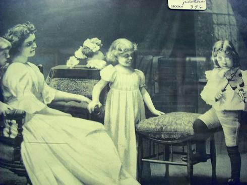 creepy fiddling ghost family